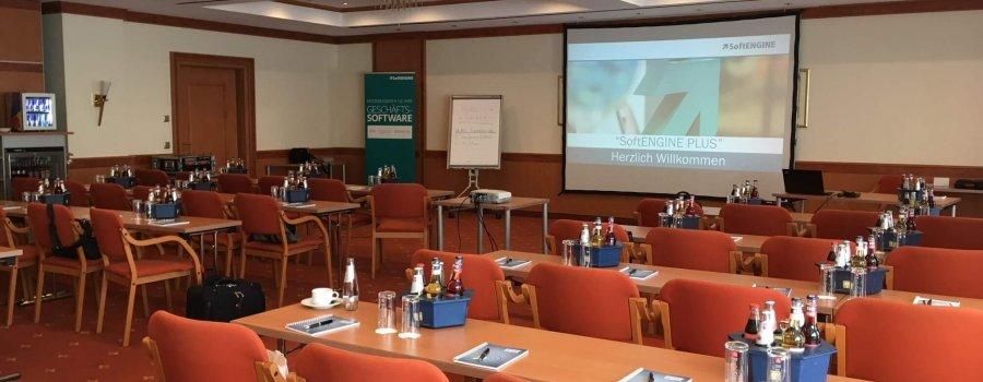 Das SoftENGINE Partnertreffen 2019 in Fulda - Seminarraum mit Beamer