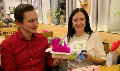 Thomas und Katerina Wagner auf der Weihnachtsfeier - Firmenjubiläum mal anders