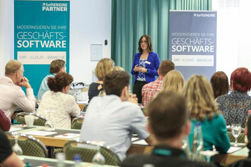 Schulung von Mitarbeitern zur Einführung eines ERP-Systems
